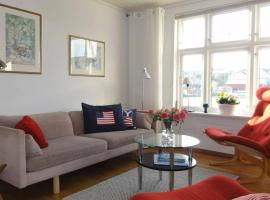 Charming flat in cosy farmhouse, apartment in Skudeneshavn