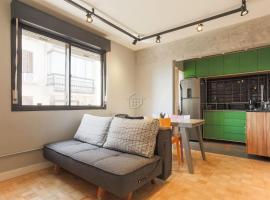 Ap lindo e completo, com ar condicionado e garagem!, apartment in Porto Alegre