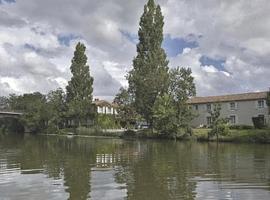 Logis Auberge De La Riviere, hôtel à Velluire