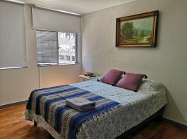 KM0 - Historical City Center, hotel cerca de Museo Chileno de Arte Precolombino, Santiago