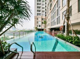 S Lux Apartment, hotel near Nha Rong Wharf, Ho Chi Minh City
