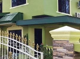 Mag's Guest House, hotel in Point Fortin