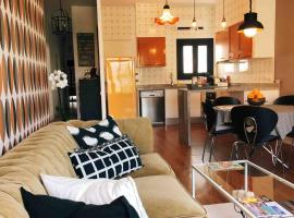 MODERN RETRO HOME, hotel in Vilanova i la Geltrú