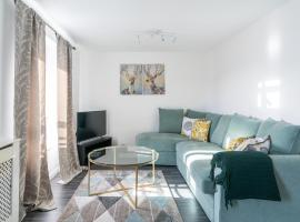 Suites by Rehoboth - Abbey Wood Station - London Zone 4, hotel in London