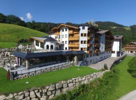 Hotel Bergkristall, hotel in Oberau
