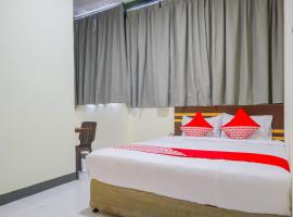 Vaccinated Staff - OYO 2308 Seven Season Residence, hotel in Jakarta