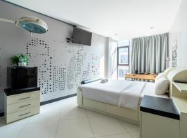 방콕에 위치한 홈스테이 The Secret Service Bed & Breakfast