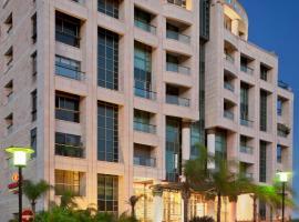 Crowne Plaza Haifa, отель в Хайфе