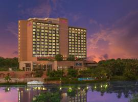 Crowne Plaza Kochi, accessible hotel in Cochin