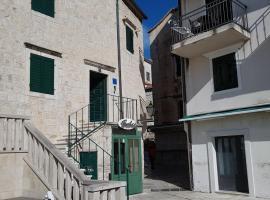 Vila Marineta, villa in Makarska