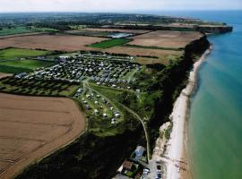 Camping Omaha Beach, hotel in Vierville-sur-Mer
