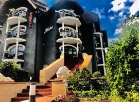 Shadow Boutique Hotel & Spa, hotel in Chişinău