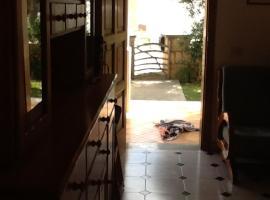 Torres Sureda 171, hotel a Cala Blanca