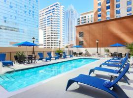 Hampton Inn & Suites Austin-Downtown/Convention Center, hotel blizu znamenitosti Congress Avenue Bridge, Austin