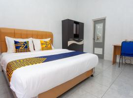 SPOT ON 2830 Azka Residence Syariah, hotel in Cilacap