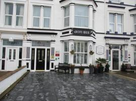 Adcote House, guest house in Llandudno