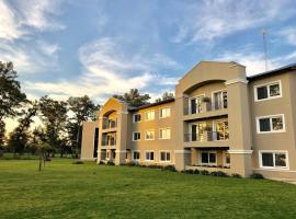 Howard Johnson Resort & Convention Center Ezeiza, hotel i nærheden af Ministro Pistarini Internationale Lufthavn - EZE, Ezeiza