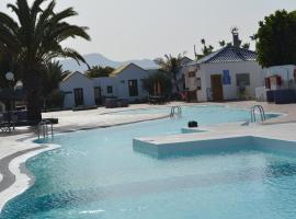 Bungalow Montecastillo i1, hotel with pools in Caleta De Fuste