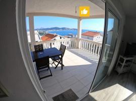 Apartment Sea & Mountain, villa in Bar