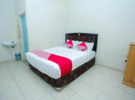 OYO 2692 Penginapan Mba Ros, hotel near Syamsudin Noor International Airport - BDJ,