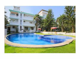 RETREAT ANJUNA RESORT, hotel with pools in Vagator