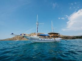 Dream Ocean liveaboard, boat in Labuan Bajo
