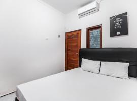OYO Life 2925 Midys, hotel in Bekasi
