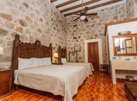 Mansion Serrano Hotel, hotel en El Fuerte