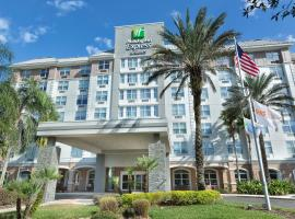 Holiday Inn Express & Suites S Lake Buena Vista, hotel near Kissimmee Value Outlet Shops, Kissimmee