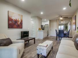 Modern San Diego Suite + Walk Score 75, vacation rental in San Diego
