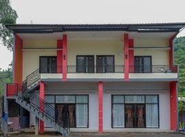 RedDoorz @ Gerbang Dieng Plateau Area, hotel in Wonosobo