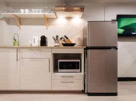 S1 Large Duplex Silom 3 Beds, Full Kitchen WIFI, apartment in Bangkok