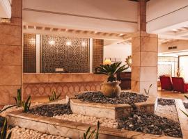 The Orangers Beach Resort and Bungalows, hotel in Hammamet