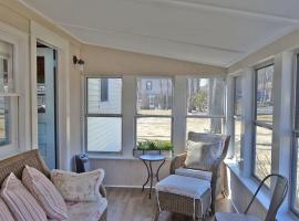 Beach Bungalow, holiday home in Rockport