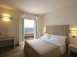 Hotel Alta La Vista, hotell i Marina di Castagneto Carducci