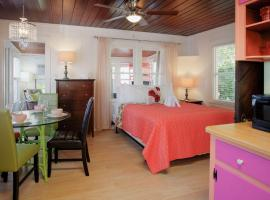 4 - Seahorse Cottages, apartment in St. Pete Beach