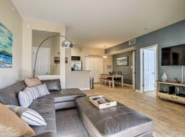 Chic Condo with Pool and Lanai, 4Mi to Clearwater Beach, vacation rental in Clearwater