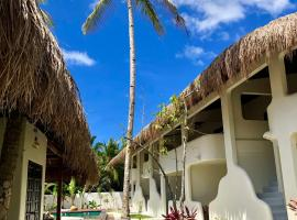 Parrots Boutique Resort, hotel in San Vicente