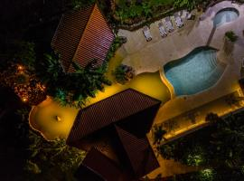 Miradas Arenal Hotel & Hotsprings, hotel in Fortuna