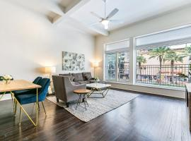 Hosteeva Canal Luxury Condos, vacation rental in New Orleans