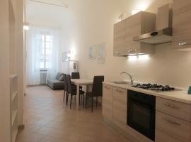 MistrangeloHome 5 - Appartamento in Pieno Centro, hotel in Savona
