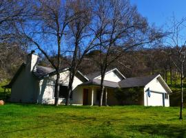 Blue Jay Paradise, casa o chalet en Three Rivers