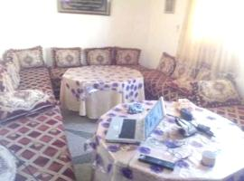 Apartment with 2 bedrooms in Oujda with wonderful city view furnished garden and WiFi, hôtel à Oujda