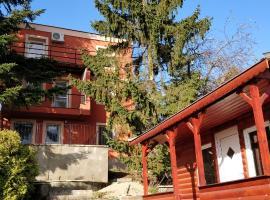 Misa Apartman Miskolctapolca Felső Szint, hotel in Miskolc