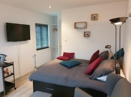 Sunset Lodge, cabin in Zandvoort