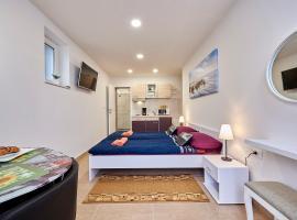 Studio apartment Bašćan, self catering accommodation in Trogir