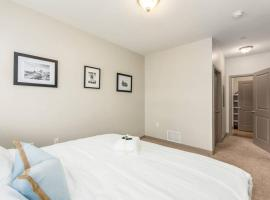 LUXURY ONE BEDROOM at 190 SOUTH HIGH STREET-FREE PARKING, vacation rental in Columbus