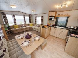 Woodberry (Acorn Caravan Holidays Newquay), glamping site in Crantock