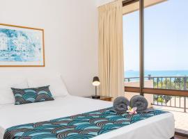 OCEAN VIEWS 10, hotel in Airlie Beach