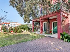 Simplistic Apartment in Petrčane with Terrace, hotel in Petrcane
